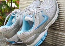 Как быстро высушить кроссовки после стирки?