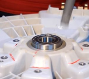 Как заменить подшипник в стиральной машине LG с прямым приводом?
