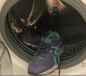 Стирка кроссовок Adidas в стиральной машине