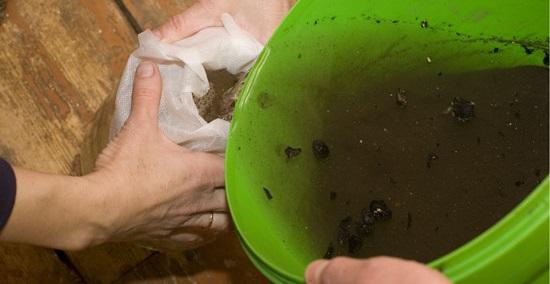 избавиться от запаха поможет щелок