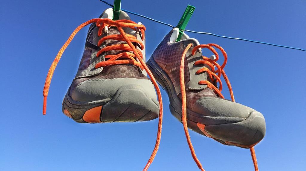 как правильно высушить кроссовки