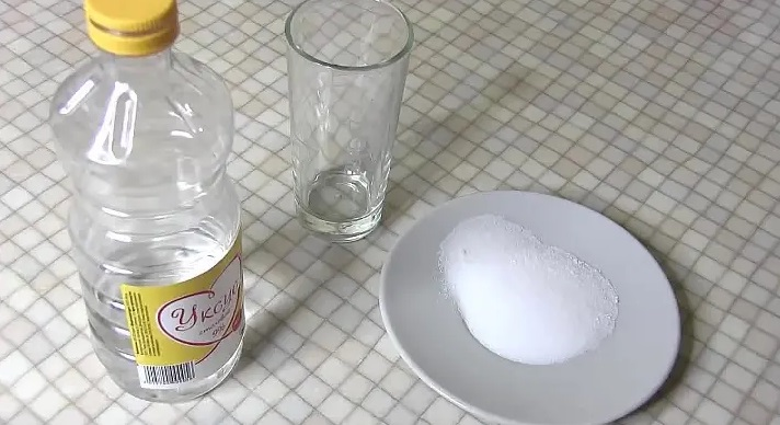 поможет сода и уксус