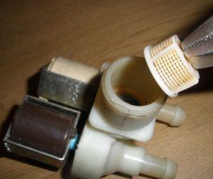 Как почистить впускной клапан стиральной машины