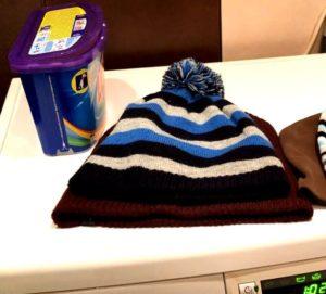 Как стирать шапку в стиральной машине?