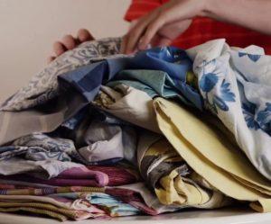 Сколько комплектов постельного белья можно загружать в стиральную машину