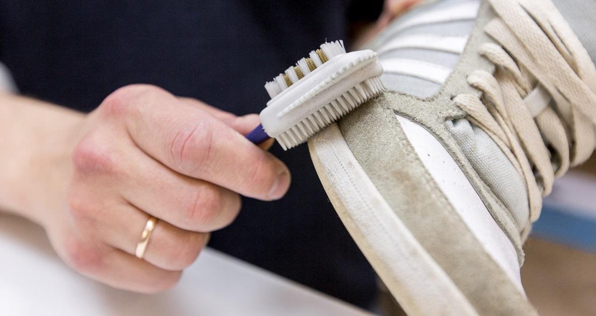 сухая чистка обуви из нубука