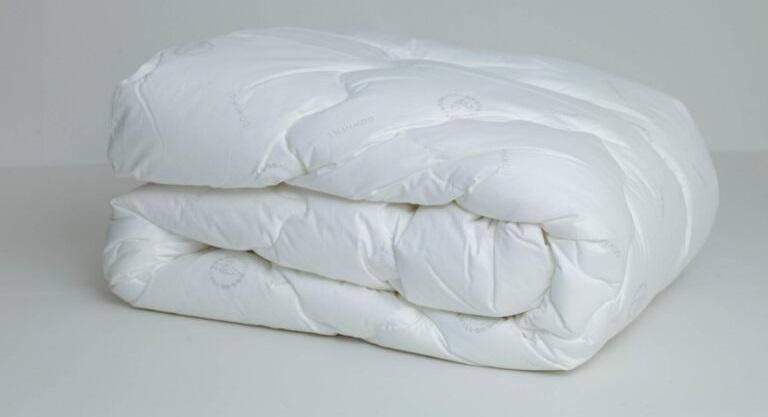 традиционная стирка одеяла из лебяжьего пуха