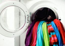 Как постирать цветные вещи в стиральной машине?