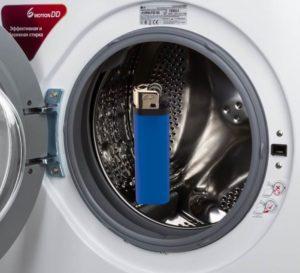Что случится, если постирать зажигалку в стиральной машине?