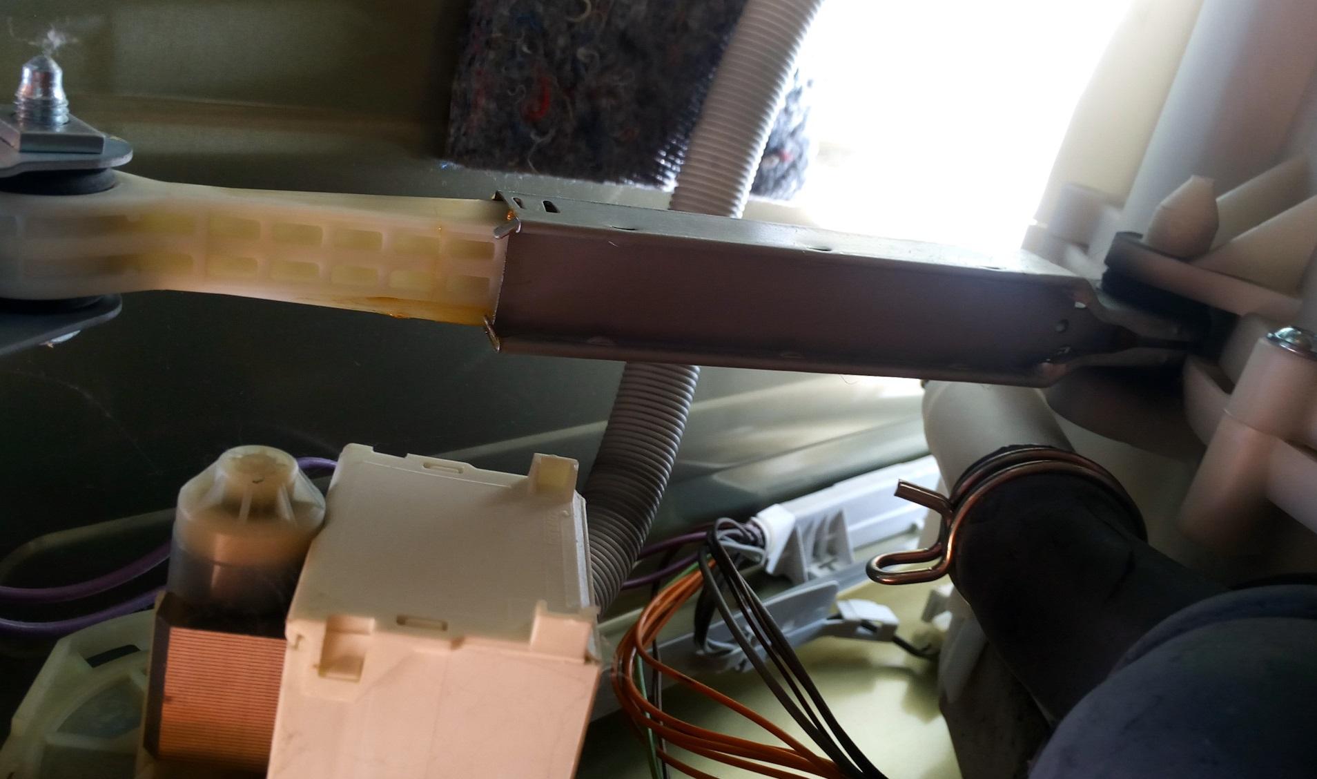 замена амортизатора стиралки Бош