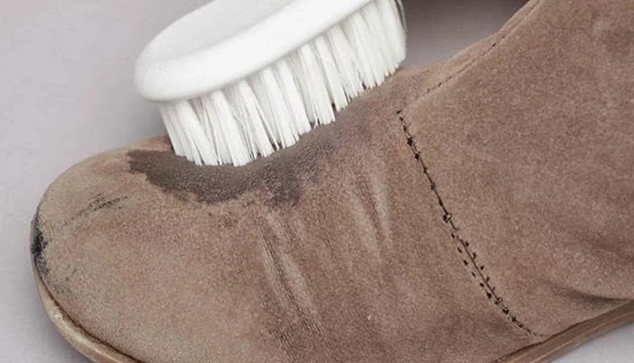замшевым сапогам показана чистка