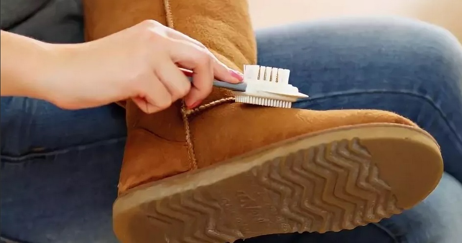 как правильно очищать замшевые сапоги