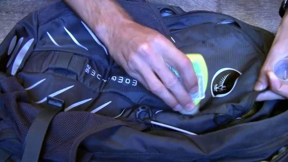 традиционная стирка спортивной сумки