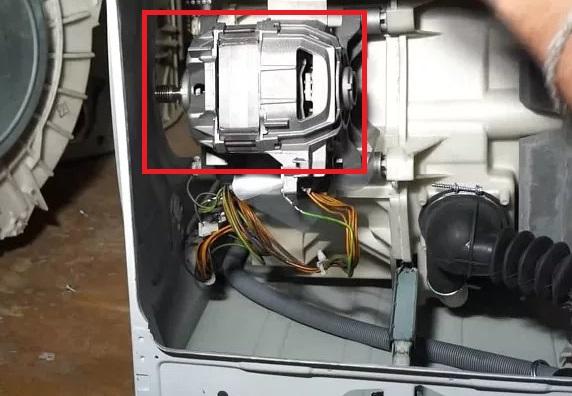 Как снять двигатель на стиральной машине Бош