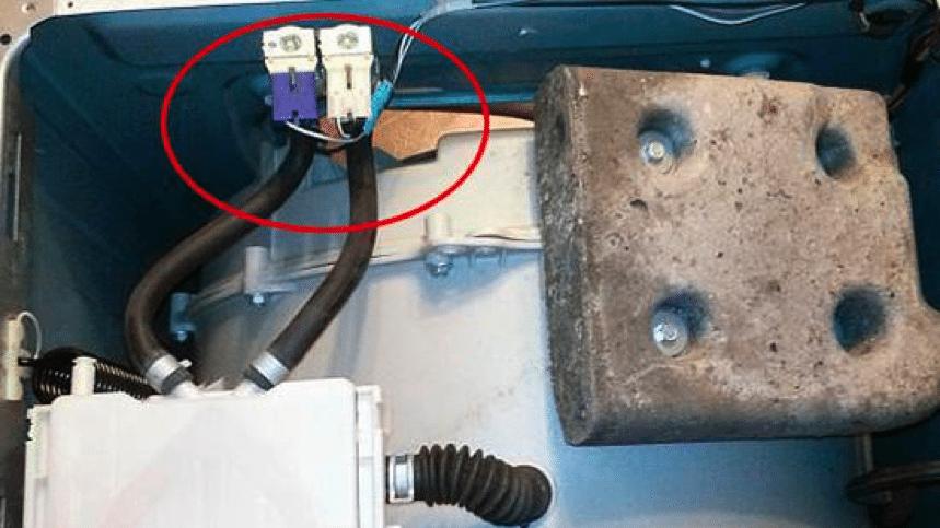 впускной клапан под верхней крышкой