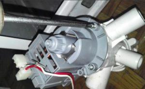 Как поменять сливной насос стиральной машины Whirlpool