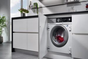 Как установить стиральную машину AEG?