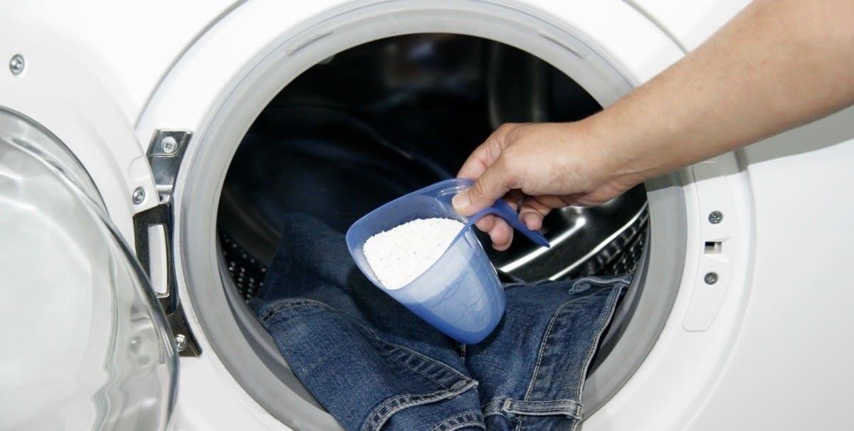 стоит ли сыпать порошок на одежду