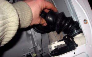 Подтекает патрубок стиральной машины