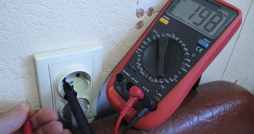 замерим напряжение в электросети