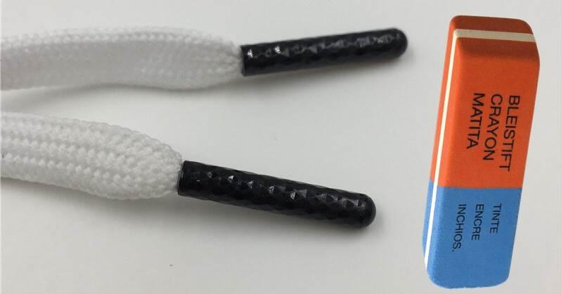 пластиковые кончики шнурков очищаются ластиком
