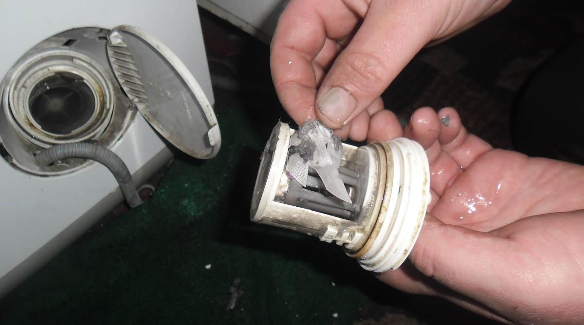 начните с очистки мусорного фильтра