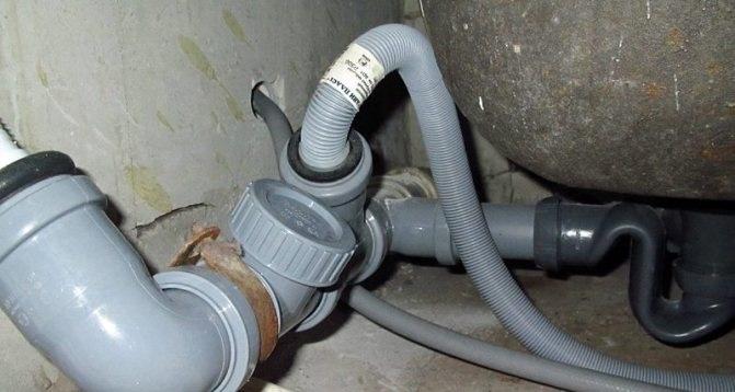 нечистоты из канализации попадают в стиралку