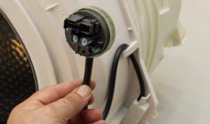 Как заменить прессостат в стиральной машине?