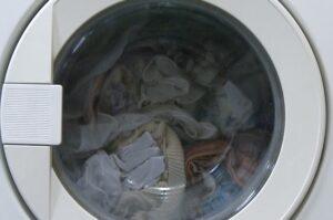 Что делать, если стиральная машина остановилась с водой
