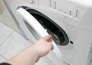 Не закрывается люк стиральной машины Ariston