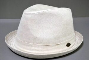 Стирка шляпы