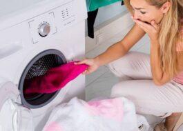Как правильно стирать вещи, которые линяют?