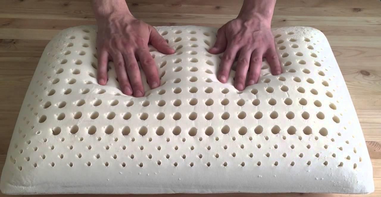 как чистить подушку из латекса