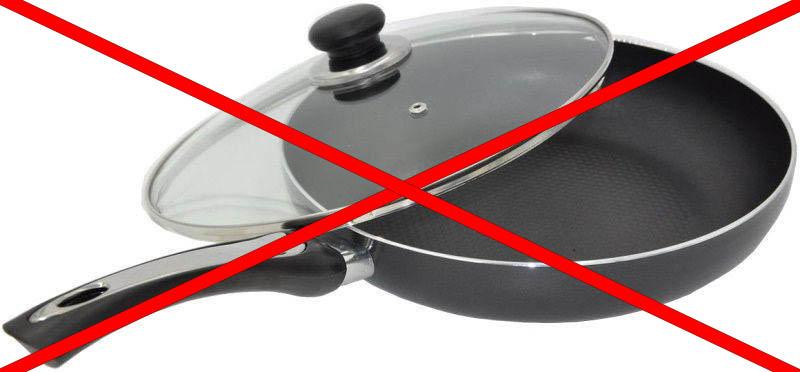 не стоит помещать сковородку в ПММ