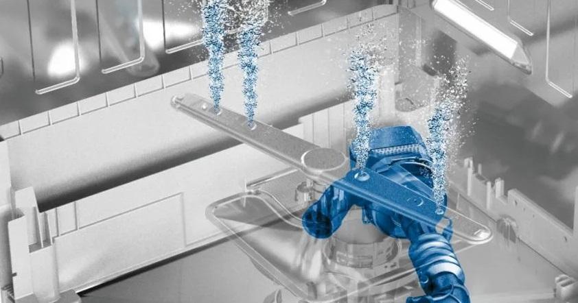 циркуляционный насос подает воду в разбрызгиватели